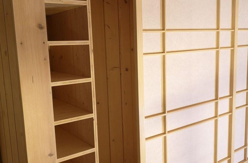 Vgradna omara s shoji vrati