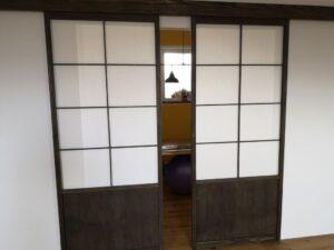 Dvojna vrata montirana